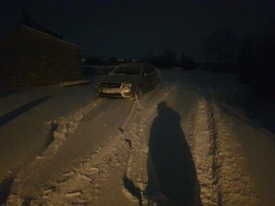 Car in snow.jpg