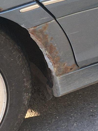 wheel arch rust c class.jpg