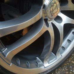 Custom painted Brabus wheels (colour is custom, similar to BMW M3 wheels). Wheels turn Grey, Black or Silver/Blue in different light.
